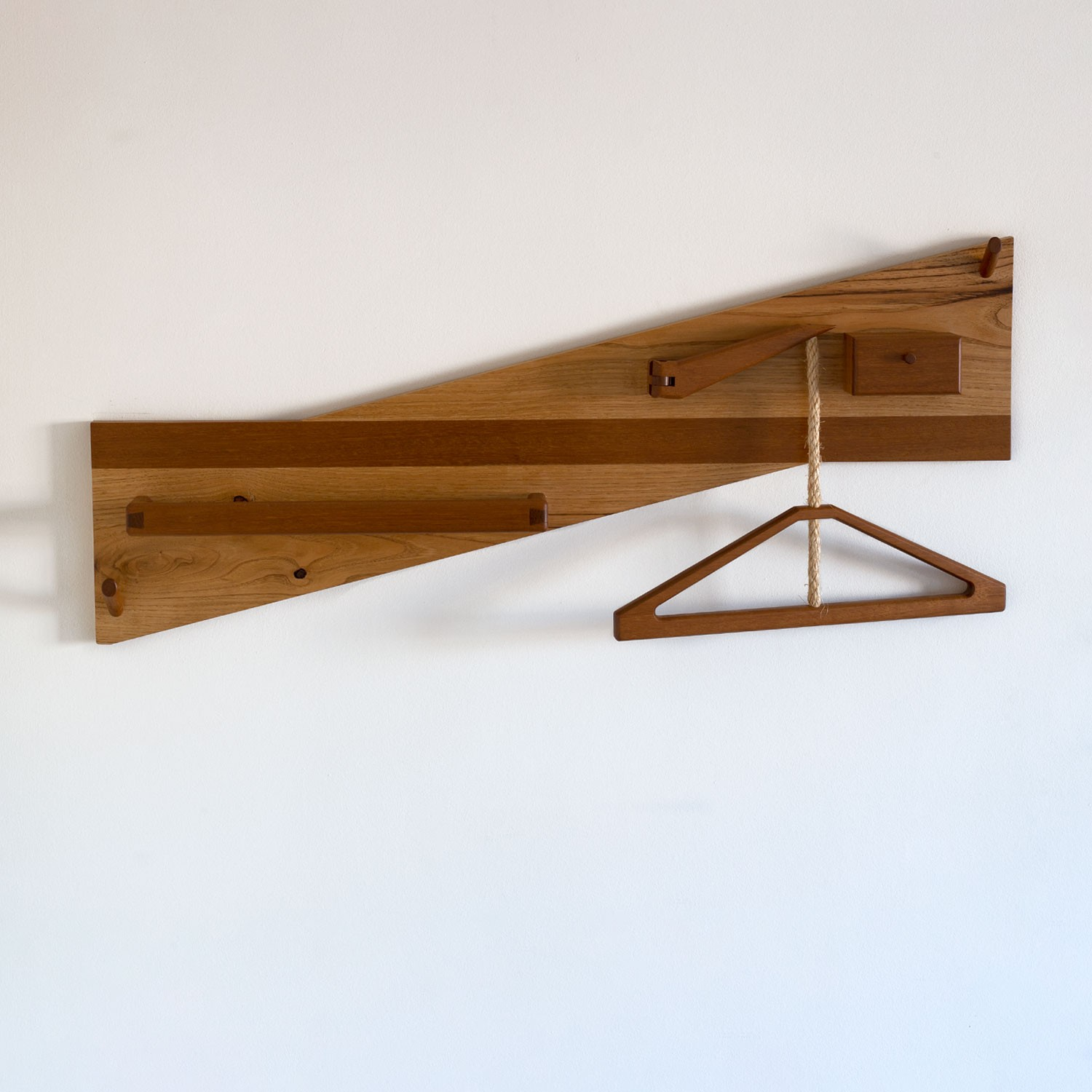 Hanging Valet Stand in solid wood, handmade