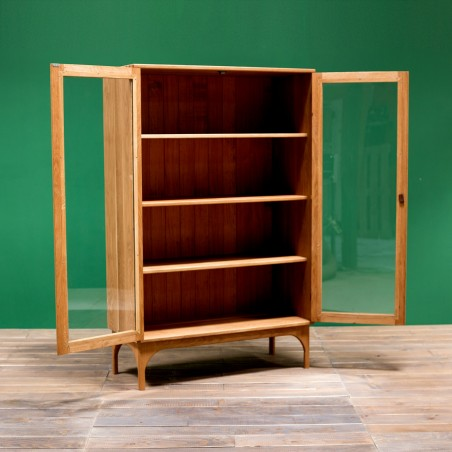 Oak and glass cabinet by Design Mob